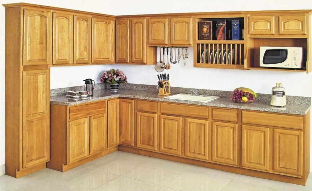 Mẫu tủ bếp gỗ sồi Nga đẹp cho nhà vườn