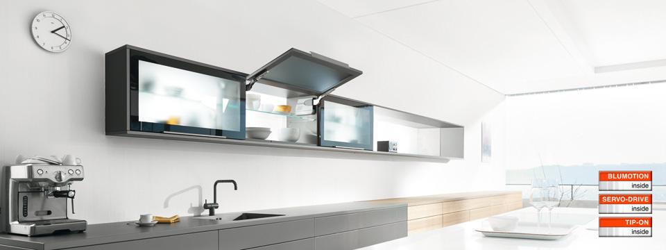 Tay nâng cánh tủ bếp lên 107 độ Blum AVENTOS HK