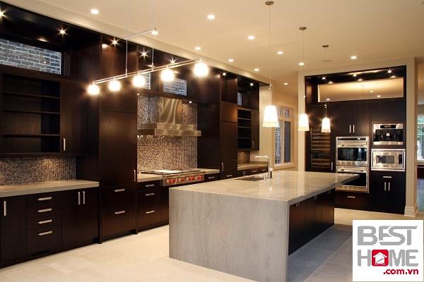 Tủ bếp có bàn đảo đẹp bằng gỗ óc chó
