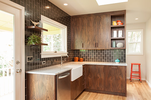 thiết kế nhà bếp cũ với chi phí thấp