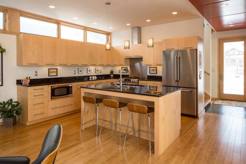 Tủ bếp có bàn đảo tiện lợi giúp bạn dễ dàng khi nấu nướng
