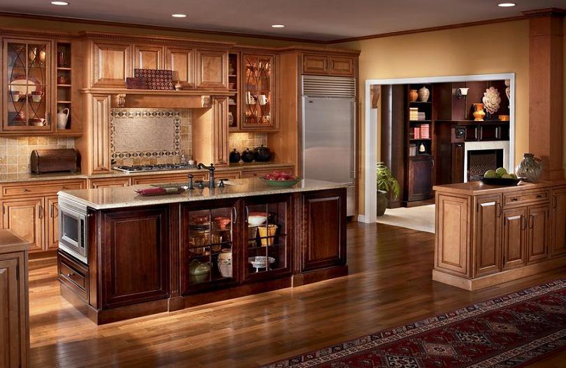 Mẫu tủ bếp gỗ sồi Mỹ tăng thêm vẻ sang trọng, truyền thống