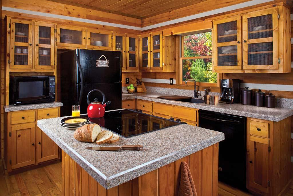 Tủ bếp có bàn đảo tiện lợi  hỗ trợ bạn nấu nướng dễ dàng